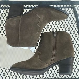 Stitch Fix Seychelles Bootie Dark gray brown 8.5